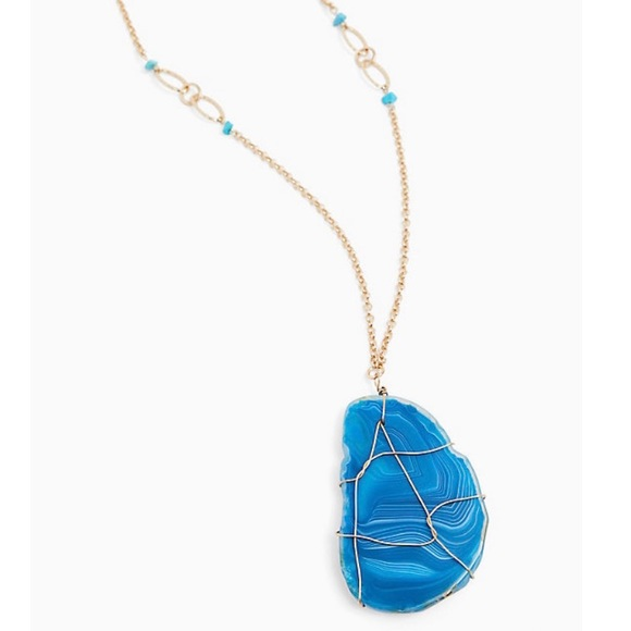 torrid Jewelry - Torrid Gold Blue Geode Penant Necklace NWT